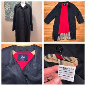 Burberry trenchcoat black size 18L